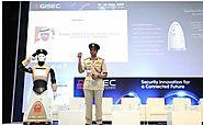 El robot Policía en Dubai ya está patrullando las calles