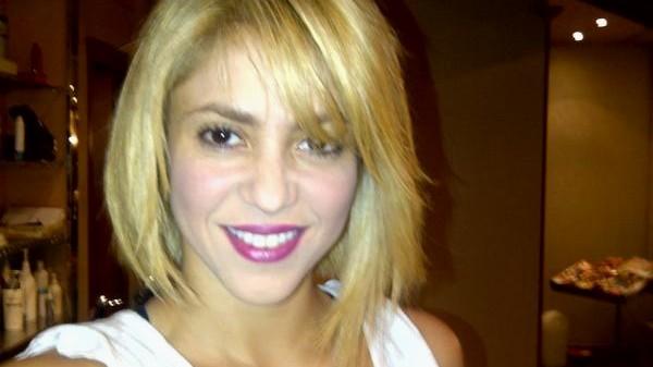Neue Frisur Von Avril Lavigne Frauen Wird Ja Gerne Nachgesagt