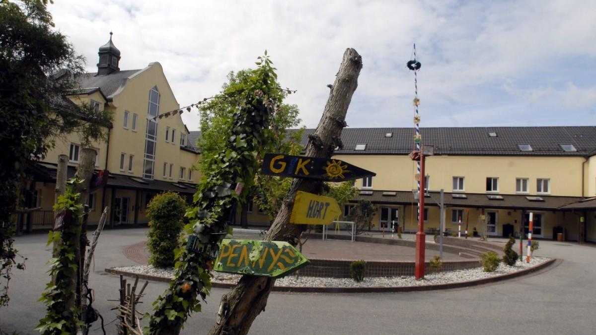 Schule in Wartenberg  Kratzer im Vorzeigeobjekt  Erding