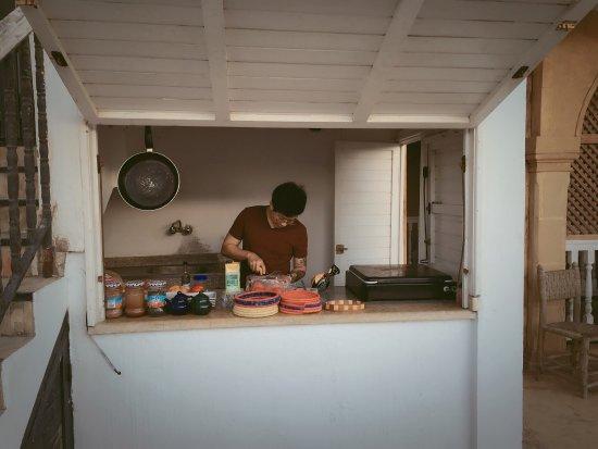 traveling kitchen commercial equipment prices 很赞的旅店噢 有厨房 可以买海鲜做自己喜欢吃的饭 而且房间干净采光也 而且房间干净采光也好 老板特别热情 中文10级哈哈 可以用任意中文跟他聊天 索维拉旅行首选噢