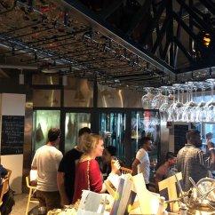 Kitchen Showrooms Frosted Glass Cabinet Doors 厨房 酒厂 种植园 肉类熟成间 砖窑烤炉 火腿陈列室 Photo De Marina Yuehu Shing Park Plaza