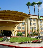 Holiday Inn Express North Riverside Colton Prices Hotel