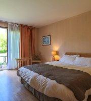 Logis Le Relais De Pouilly 83 9 4 Prices Hotel