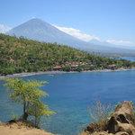 Océan indien, verdure et volcan