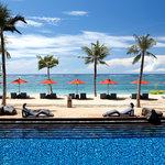 Strand Pool and Beach St. Regis Bali