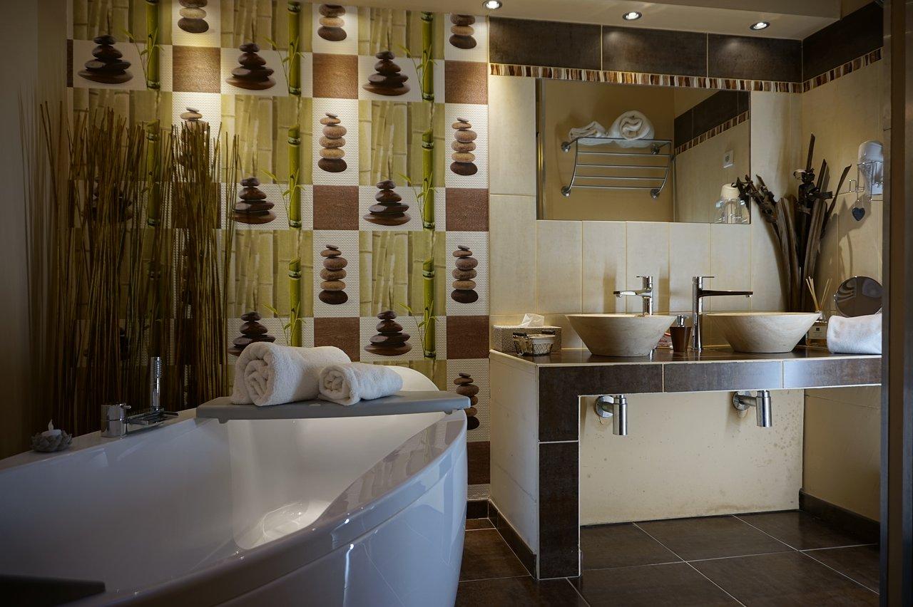 next quentin sofa bed review barcelona curved rattan corner set la filature b saint france reviews photos price