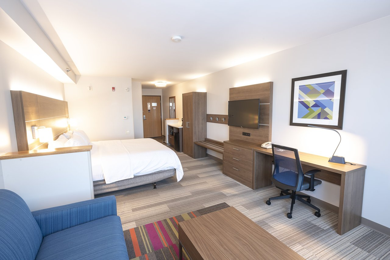Holiday Inn Express Hotel Suites Iron Mountain 90