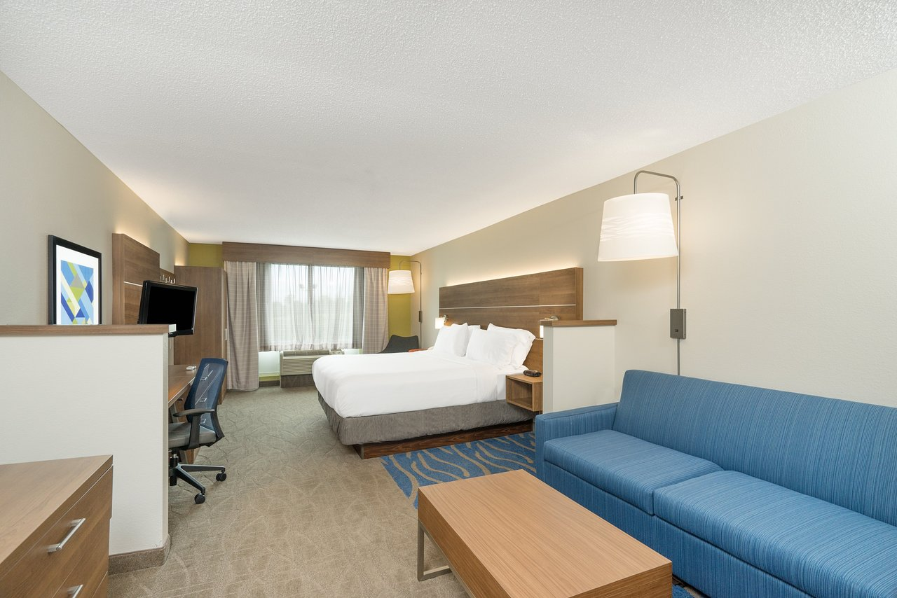 Holiday Inn Express Hotel Suites Frankfort Rooms Pictures