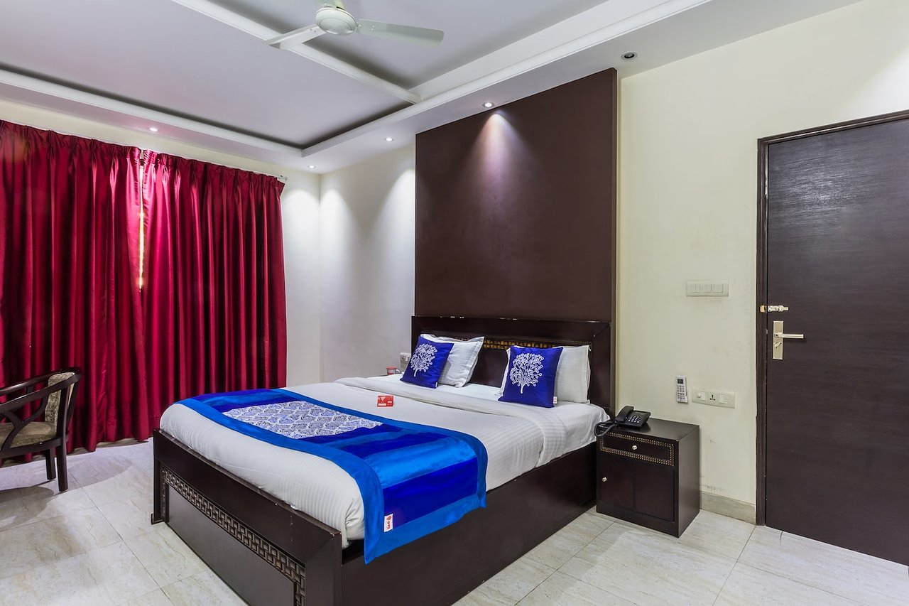 Oyo 6796 Retreat Suites Inn Gurugram Gurgaon Inn