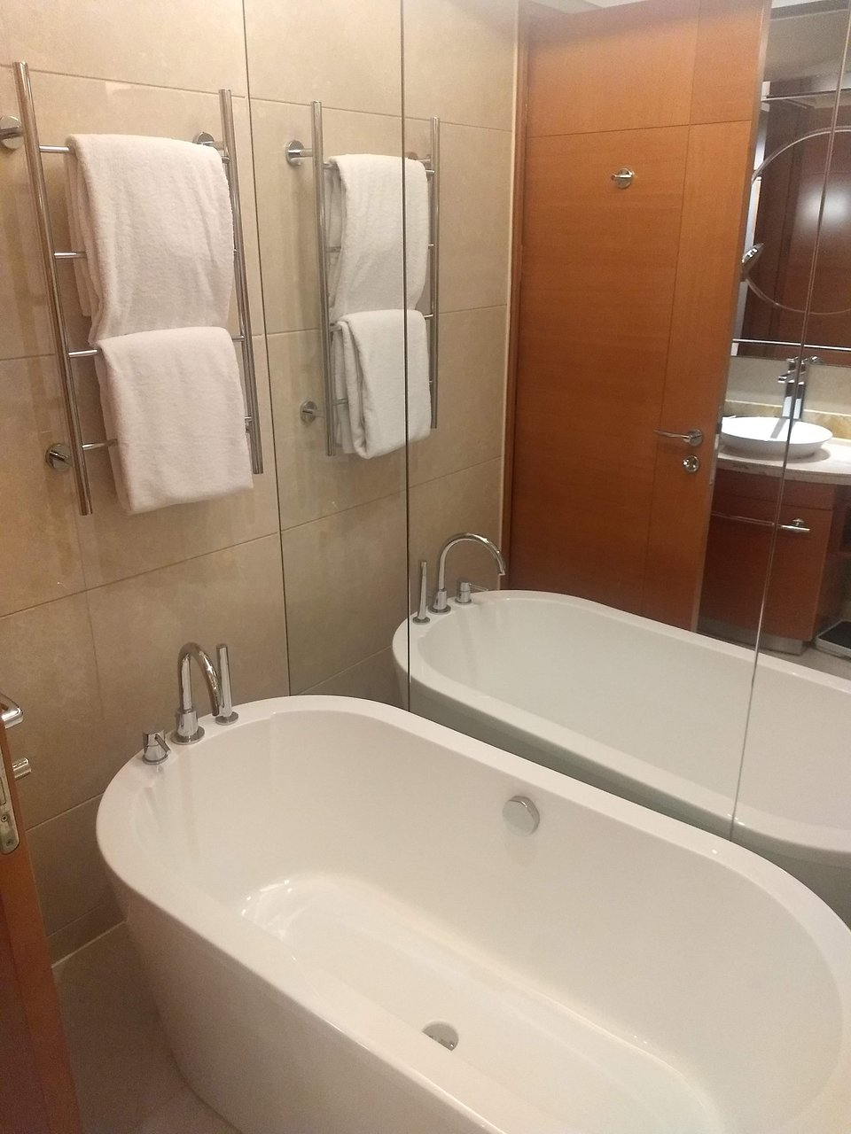 Howard Johnson Plaza Waigaoqiao Shanghai Prices Hotel