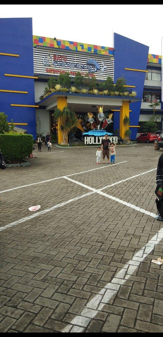 Hotel Wonderland Batu : hotel, wonderland, Hallway, Picture, Wonderland, Hotel, Resort,, Tripadvisor