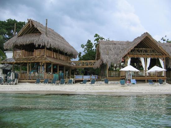 Sea Splash Resort Picture Of Yard Beach House Negril