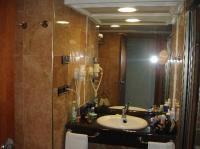 Nice bathrooms - Picture of Gran Hotel Bali - Grupo Bali ...