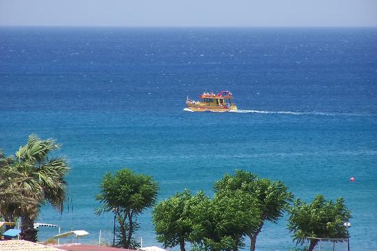 https://i0.wp.com/media-cdn.tripadvisor.com/media/photo-s/00/1a/fa/69/beautifull-sea.jpg