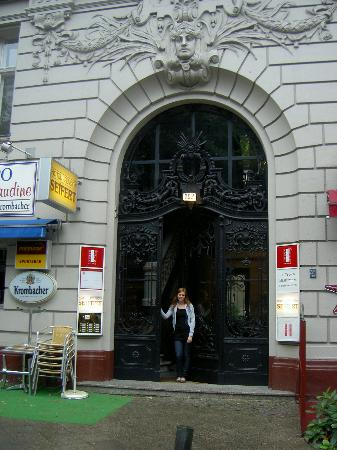 Another Picture Of The Entrance Seifert Hotel Berlin