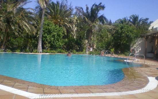 Piscina hotel fotografa de SBH Crystal Beach Hotel