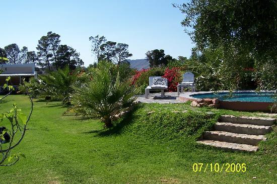 Garten Und Pool Der Saxe Coburg Lodge Picture Of Saxe Coburg