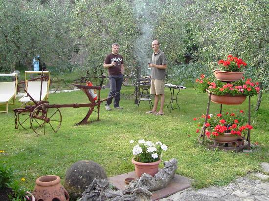Grillen Im Garten Bild Von Camere Dentro Il Castello