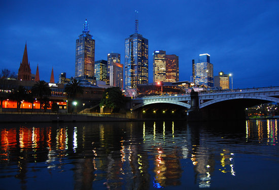 https://i0.wp.com/media-cdn.tripadvisor.com/media/photo-s/01/1f/b0/32/melbourne-cbd-at-dusk.jpg