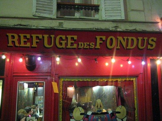 Le Refuge des Fondus Paris  Montmartre  Restaurant Avis Numro de Tlphone  Photos
