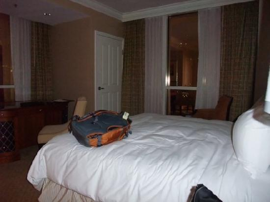 One Bedroom Balcony Suite - Bedroom Style Ideas