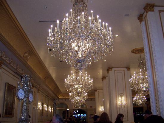 Paris Las Vegas Crystal Chandeliers In Lobby Very Pretty