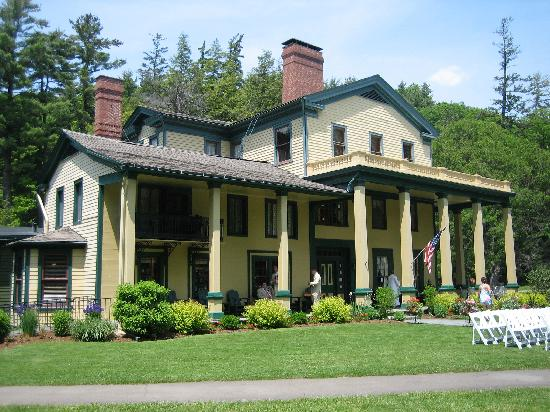 Glen Iris Inn  Letchworth  Picture of Letchworth State