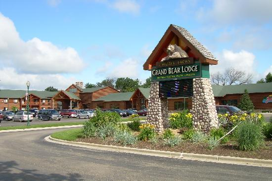 Grizzly Jack's Grand Bear Resort  Updated 2018 Prices