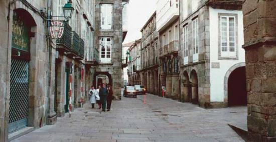 "La Rua Nova, calle típica de Santiago de Compostela"": fotografía ..."
