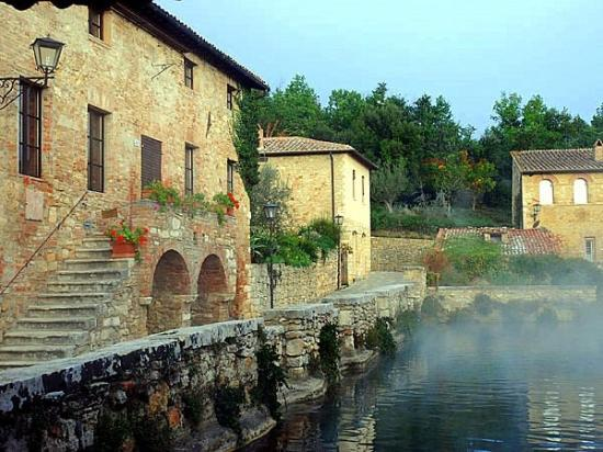 Bagno Vignoni Photos  Featured Images of Bagno Vignoni Province of Siena  TripAdvisor
