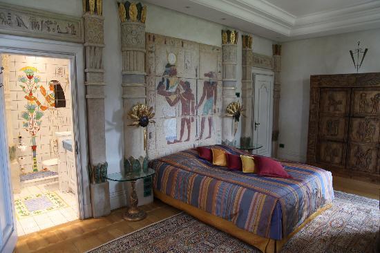 Animal Print Wallpaper For Bedrooms Egyptian Inspired Decor On Pinterest Egypt Bathroom And