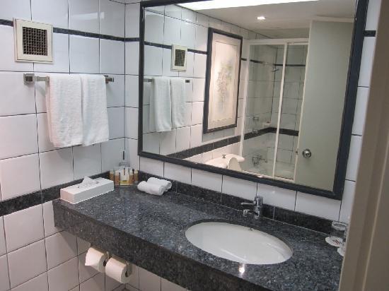 Bathroom Vanity Area Picture Of Crowne Plaza Perth Tripadvisor