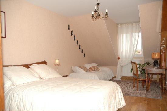 Chambre SAVANE Salle de douche en accs direct de la chambre  Photo de Le Gres DEchenilly