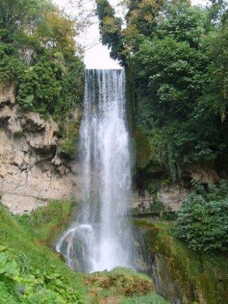 Η Έδεσσα σημαίνει ο πύργος μέσα στο νερό ή η πόλη πάνω στο νερό