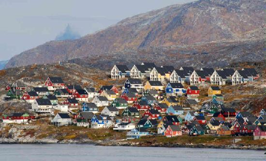 https://i0.wp.com/media-cdn.tripadvisor.com/media/photo-s/01/59/03/9c/a-view-of-colorful-nuuk.jpg