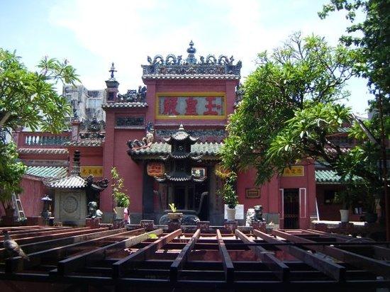 Emperor Jade Pagoda Chua Ngoc Hoang or Phuoc Hai Tu Ho