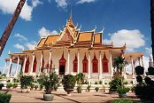 https://i0.wp.com/media-cdn.tripadvisor.com/media/photo-s/01/6f/fc/d4/phnom-penh.jpg?resize=174%2C116