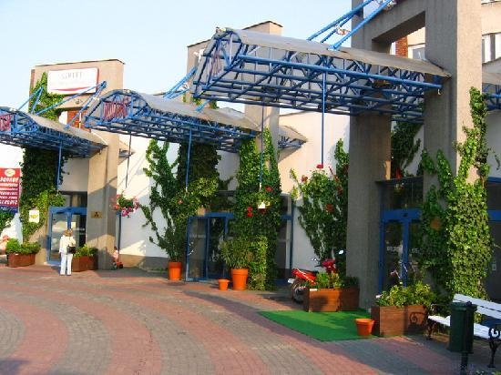 Main Entrance Picture Of Griff Hotel Budapest Tripadvisor