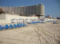 beach chairs - Picture of Crown Paradise Club Cancun ...