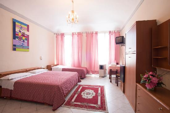 SOGGIORNO SANTA REPARATA Florence Italy  Updated 2019 Prices Guesthouse Reviews and Photos