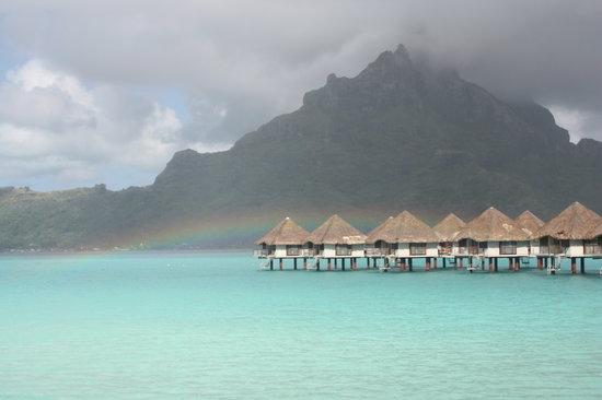 Bora Bora, Polinesia Prancis: wake up to a rainbow