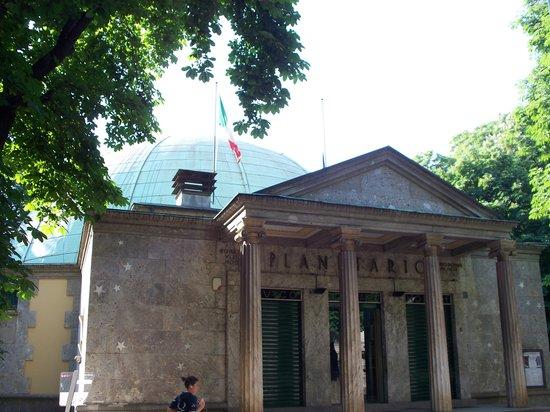 Civico Planetario Ulrico Hoepli (Milán) - 2020 Qué saber antes de ...