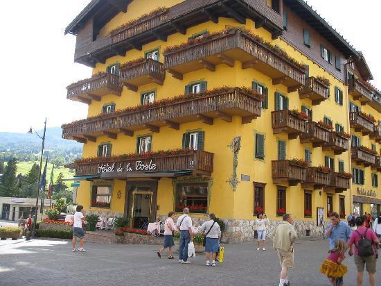 hotel de la poste : View Of Hotel From Pedestrian Plaza Picture Of Hotel De La Poste Cortina D Ampezzo Tripadvisor