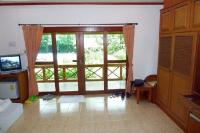 Superior bungalow living room - Picture of Green Villa ...