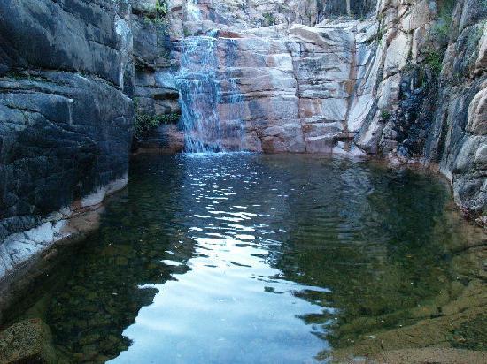 piscina naturale su accu e axina coccorrocci  Foto di