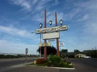 Our Garden Area - Picture of Lamp Liter Inn, Visalia ...