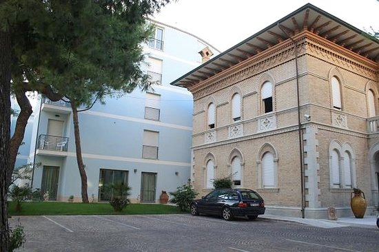 Hotel Chiaraluna Civitanova Marche Italy Hotel
