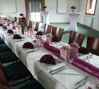 dekorierte tische - familienfest - bild von hotel gutshof, herborn