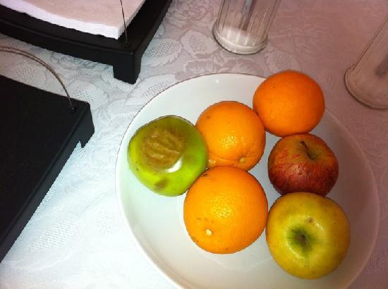 Mouldy fruit 4 breakfast