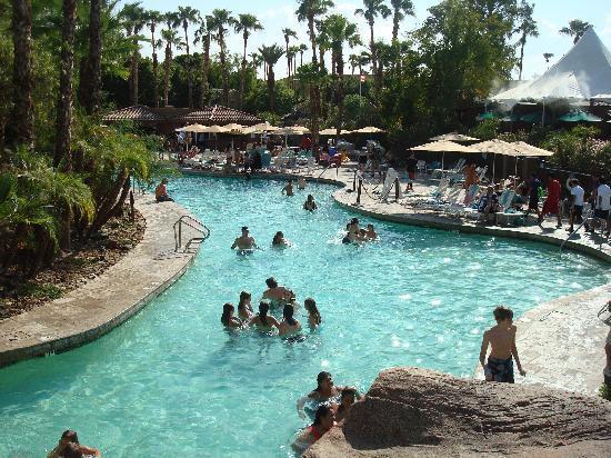 Resort Slide Pointe Water Hilton Peak Squaw